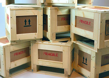 wooden-crates-and-packing-cases-stack